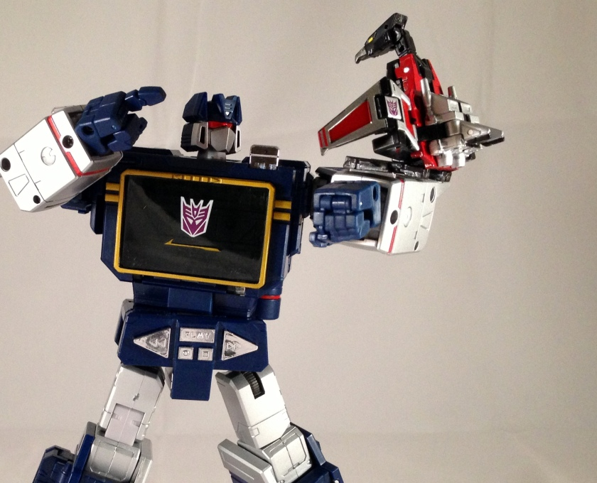 laserbeak robot mode forearm perch