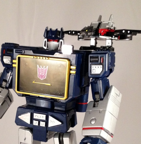 laserbeak robot mode perch
