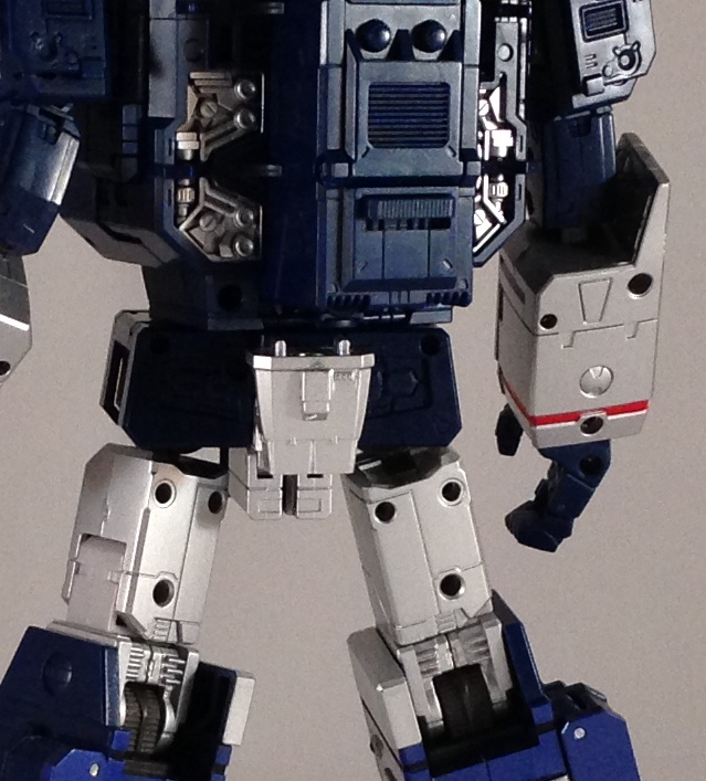 Robot mode sensor weapon back and eject button